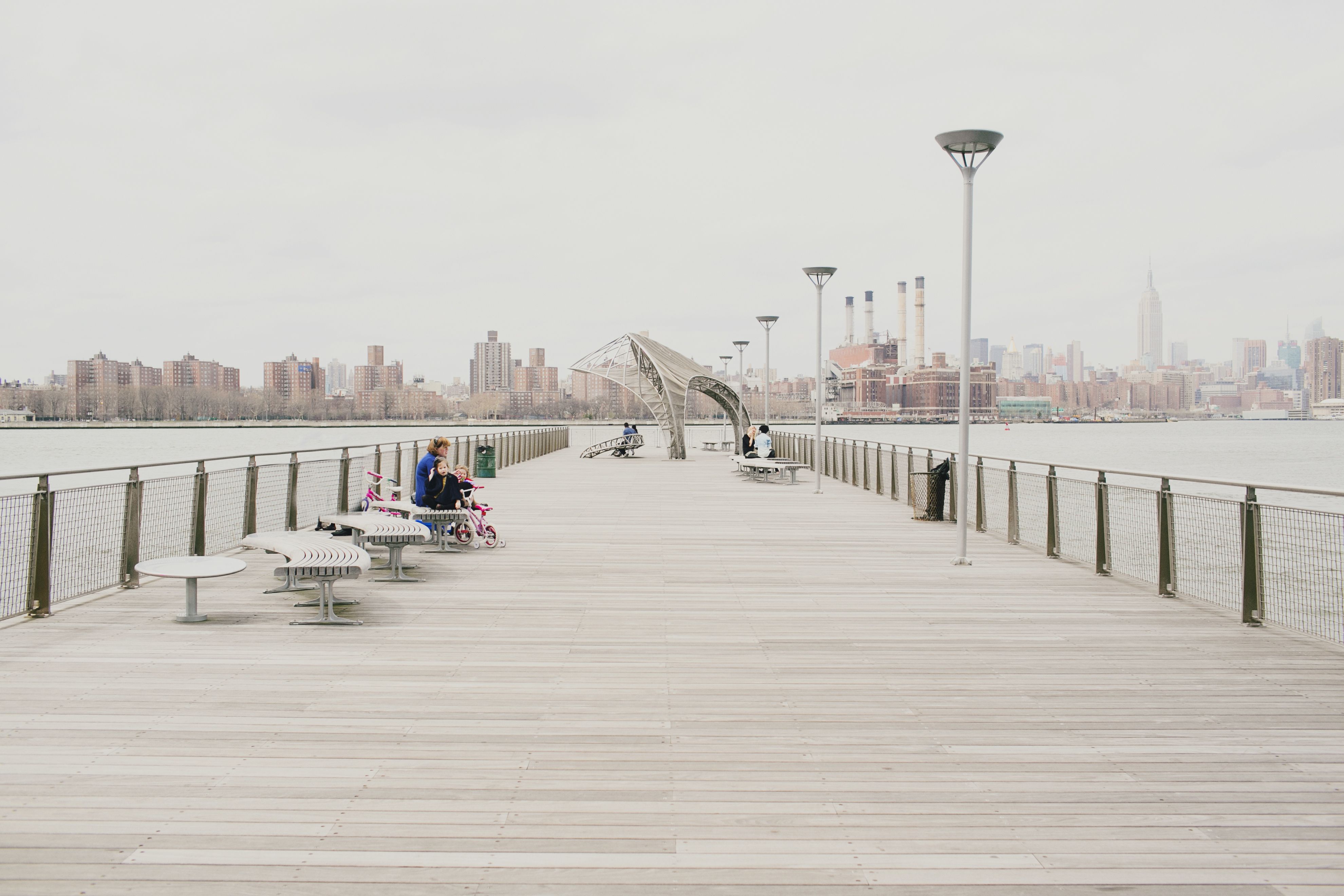 eleven five things williamsburg brooklyn waterfront. Black Bedroom Furniture Sets. Home Design Ideas