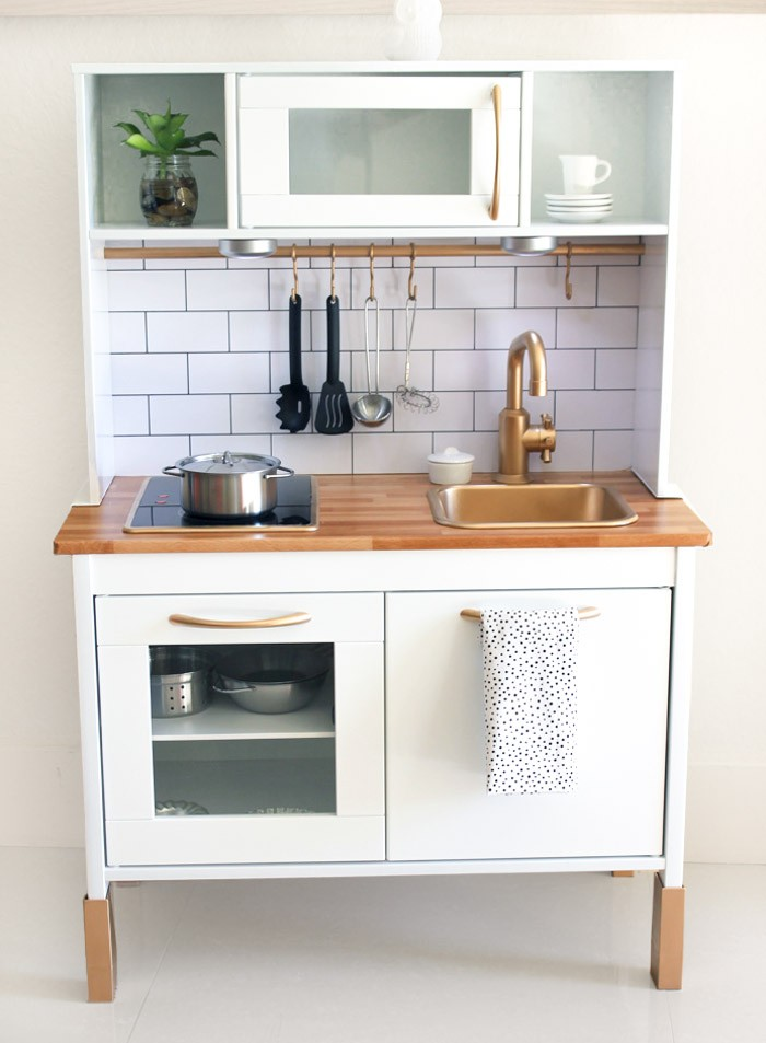 Cutest ikea hack duktig play kitchen hither thither - Cocinas hacker ...
